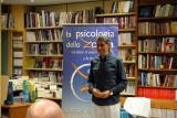"""Venerdi 8 maggio 2015, in pieno centro a Belluno presso la Libreria Tarantola, Arshad Moscogiuri presenta il suo libro """"La psicologia dello Zorba"""""""